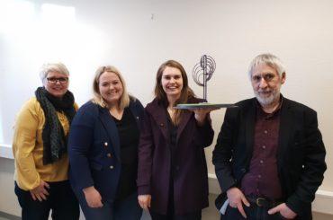 Vi gratulerer Kristine Roald Sandøy med kunstprosjekt til rundkjøring ved Brenneriroa på Løten